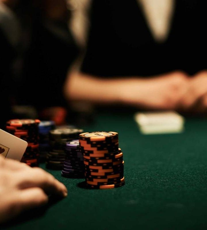 Play Online Poker Games Suitabily With Lot Of Fun And Enjoyment